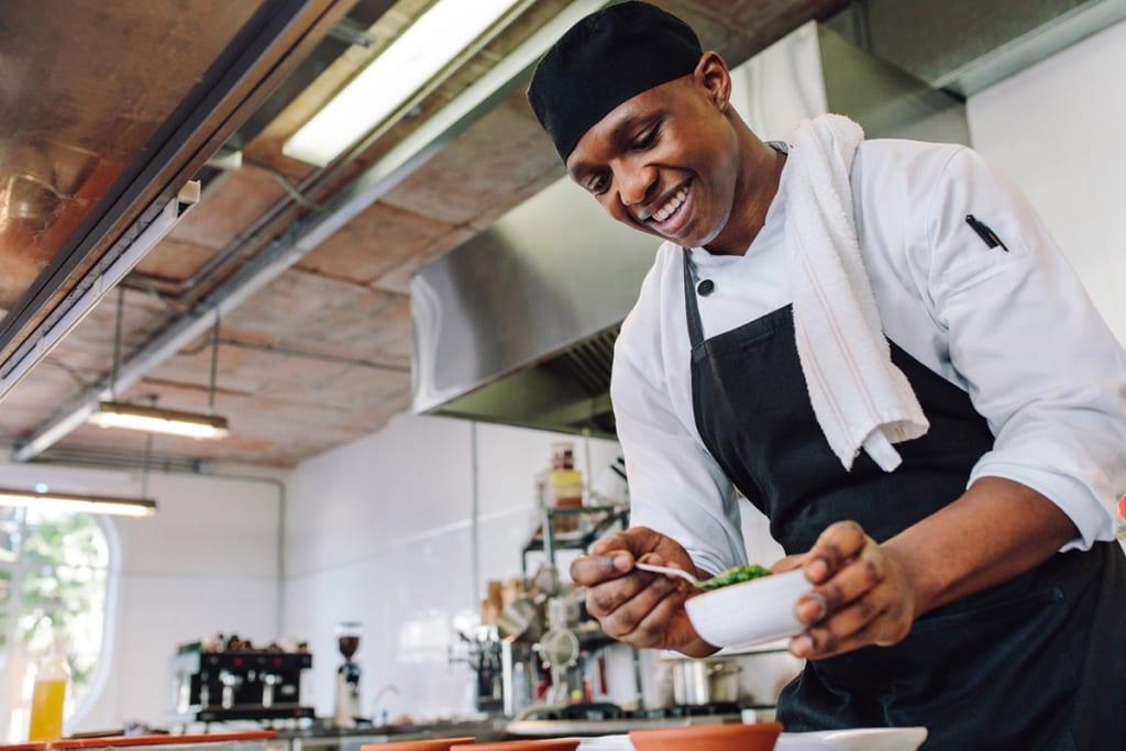 在留資格「特定技能 外食」で働く外国人